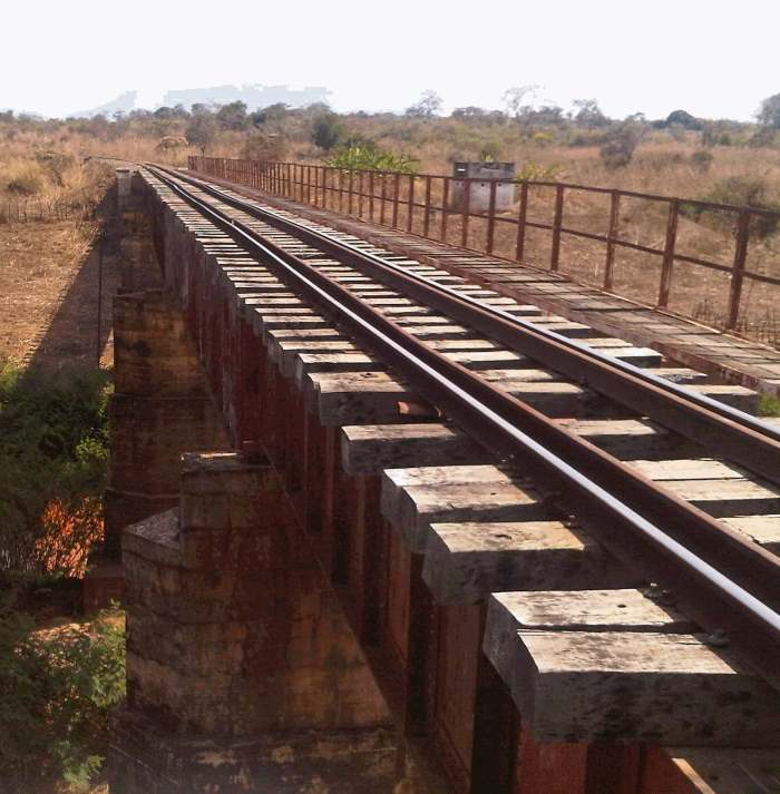 Macipand railway between port of Beira and Zimbabwe is undergoing rehabilitation, and is featured in report in Africa PORTS & SHIPS maritime news online