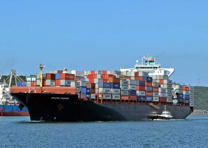 Rhone Maersk departing Durban. Picture: Ken Malcolm, featured in Africa PORTS & SHIPS maritime news online