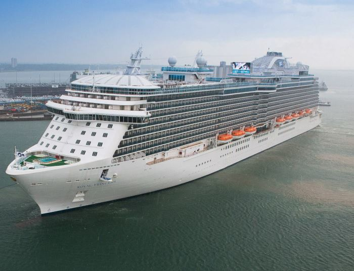 Royal Princess on a visit to Cape Town in 2013. Picture: Ian Shiffman, featuring in Africa PORTS & SHIPS maritime news online