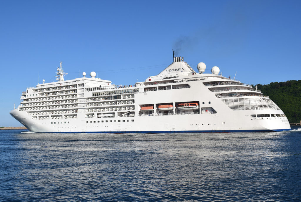 Silver Spirit sailing from Durban, pictured by Trevor Jones and featured in Africa PORTS & SHIPS maritime news online