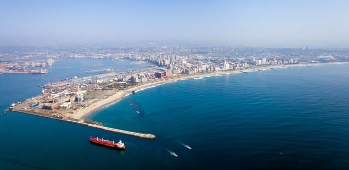 Conditions close Durban port to incoming shipping, featured in Africa PORTS & SHIPS maritime news