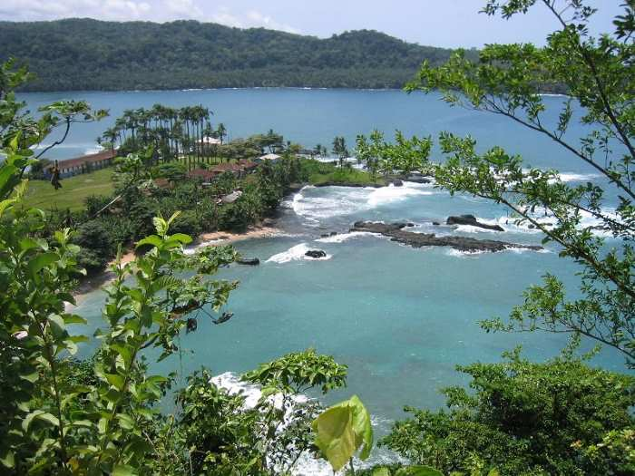 São Tomé and Principe, beautiful islands in the Atlantic, but deep in debt, says the IMF, report in Africa PORTS & SHIPS maritime news