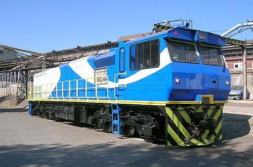This was a Grindrod locomotive immediately prior to being shipped to Sierra Leone, as reported above, rfeported in Africa PORTS & SHIPS maritime news