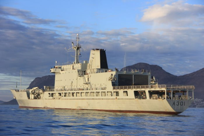 SAS Drakensberg. Picture: SA Navy, featured in Africa PORTS & SHIPS maritime news