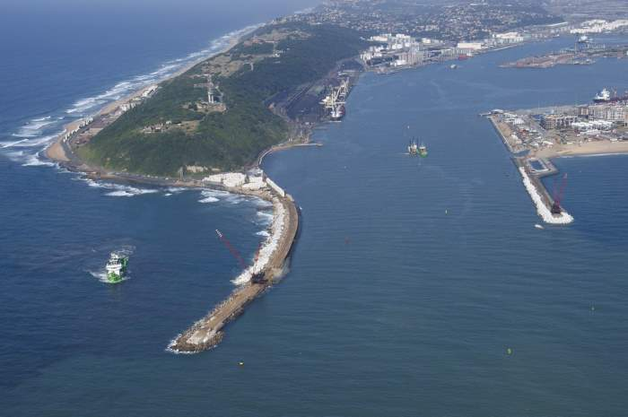 Port of Durban entrance channel. Picture: Steve McCurrach, featured in Africa PORTS & SHIPS maritime news