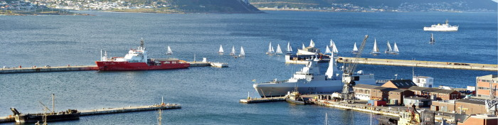 Simon's Town Vista, picture by David Erickson, appearing in Africa PORTS & SHIPS maritime news