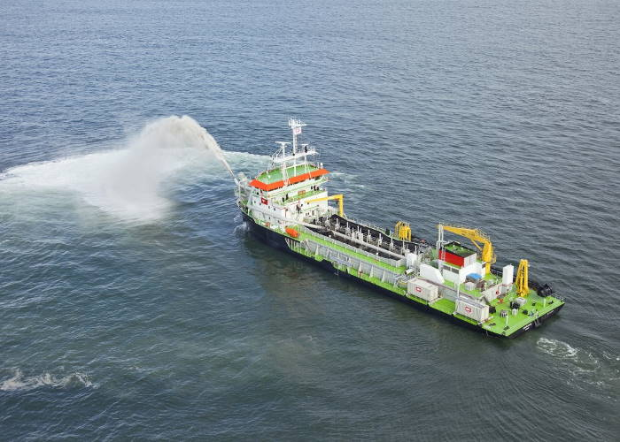 The trailing suction hopper dredger (TSHD) Isandlwana, featured in Africa PORTS & SHIPS