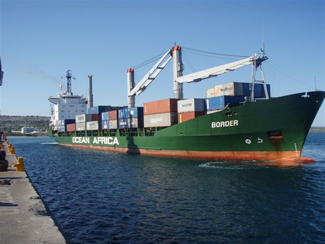 Ocean Africa Container Line's Border arriving in Nacala, featured in Africa PORTS & SHIPS maritime news