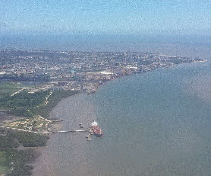 Port of Beira, looking east. Picture: Anup Rampiar, featured in Africa PORTS & SHIPS maritime news