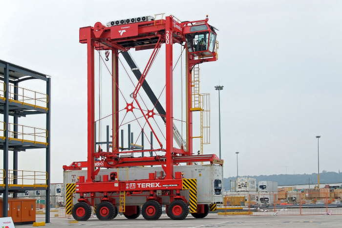 An assembled and operational straddle carrier, this one at the Port of Durban, featured in Africa PORTS & SHIPS