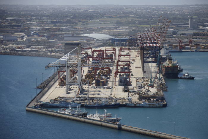 Port of Cape Town Container Terminal, featured in Africa PORTS & SHIPS maritime news