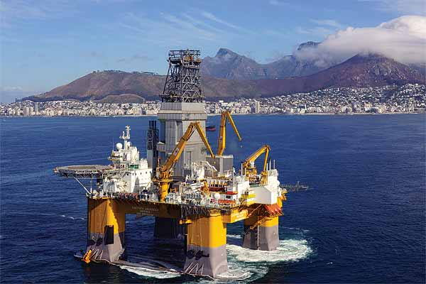 Deepsea Stavanger passing Cape Town during her previous visit to South Africa to drill successfully for gas condensate in the Brulpadda Field of the Outenique Basin, featured in Africa PORTS & SHIPS maritime news