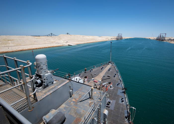 The amphibious dock landing ship USS Oak Hill (LSD 51) transits the Suez Canal on 15 June., Featured in Africa PORTS & SHIPS maritime news