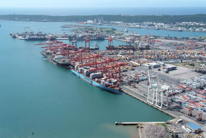 Port of Durban Container Terminal, featured in Africa PORTS & SHIPS maritime news