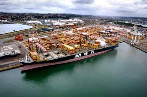 Durban's cross-berth 108/109 at DCT, featured in Africa PORTS & SHIPS maritime news