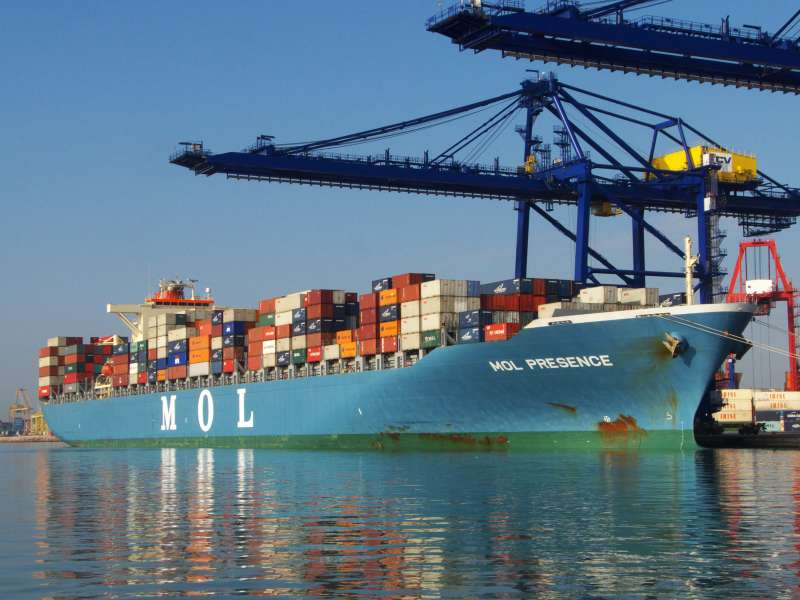 The container ship MOL Presence at Valencia. Picture by: Manuel Hernandez Lafuente courtesy Shipspotting and featured in Africa PORTS & SHIPS maritime news