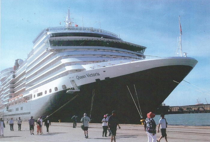 Queen Victoria at the quay at Port Elizabeth - a Good boost for Local Tourism Operators ashore, featured in Africa PORTS & SHIPS maritime news