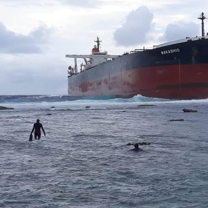 Wakashio aground off Pointe d'Esny in Mauritius, featured in Africa PORTS & SHIPS maritime news