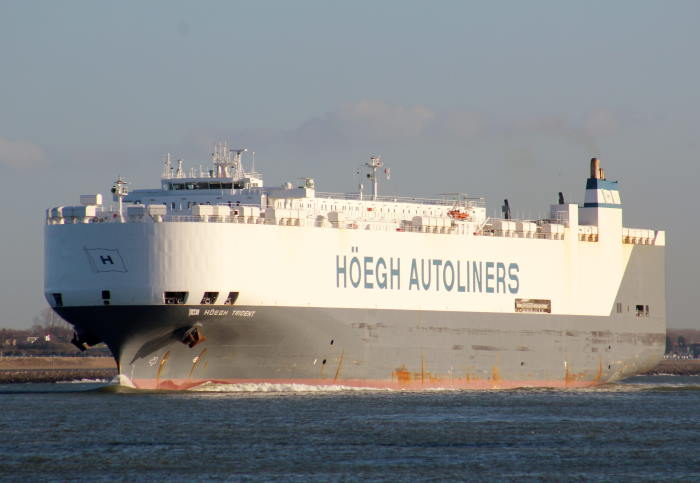 The RoRo vehicles carrier Hoegh Trident which was in port at Port Elizabeth on Sunday 2 August 2020. Picture: Maritime Connector, featured in Africa PORTS & SHIPS maritime news