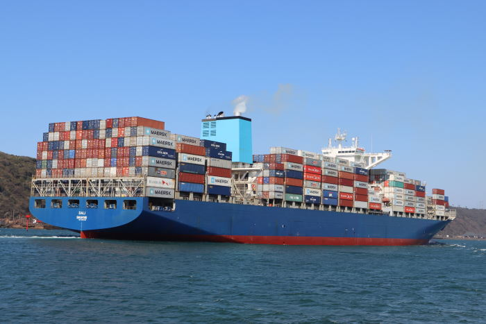 The 10,000-TEU scrubber-fitted Maersk container ship DALI, slips into Durban harbour earlier in September. Picture: Keith Betts, featured in Africa PORTS & SHIPS maritime news