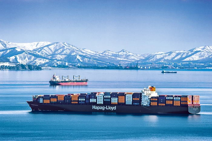 Hanover Express sailing to Vostochny Port, Russia. Picture: Hapag-Lloyd ©, featured in Africa PORTS & SHIPS maritime news