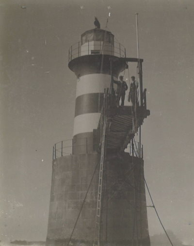 Early picture of the Roman Rock Lighthouse featured in Africa PORTS & SHIPS maritime news, picture TNPA archives