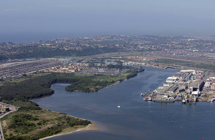 The Silt Canal and Heritage site, contaminated with crude oil as a result of theft from the pipeline. Picture by Steve McCurrach www.airserv.co.za, featuring in Africa PORTS & SHIPS maritime news