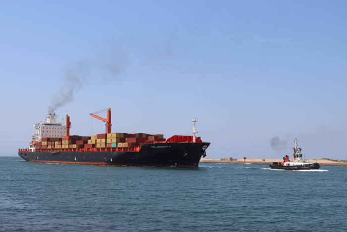MSC Jessenia R Pictures: Keith Betts, featured in Africa PORTS & SHIPS maritime news