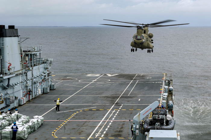 US Chinook helicopter landing on deck of RFA Argus, featured in Africa PORTS & SHIPS maritime news