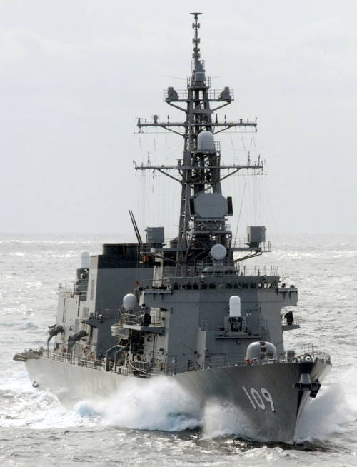 The JS Ariake is a Murasame class destroyer, launched in October 2000. She has a semi stealth design, powered by gas turbines which give her a speed of 30kts. Her helicopter is a Mitsubishi SH-60, similar to the Sikorski S-70 design. This is ideal for conducting maritime reconnaissance patrols as it is able to identify potential piracy activity from a huge range and respond accordingly. Picture courtesy of JMSDF, Featured in Africa PORTS & SHIPS maritime news