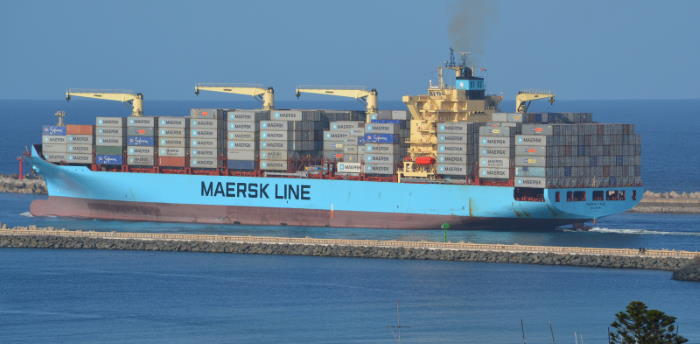 Maersk Cadiz departing from Durban 6 September 2013. Picture by Dave Leonard / Shipspotting, featured in Africa PORTS & SHIPS maritime news