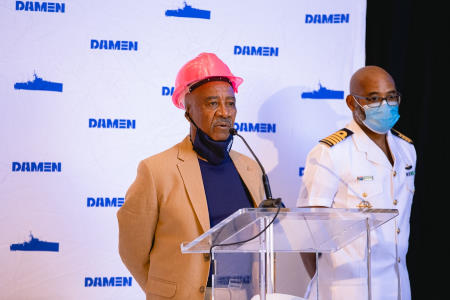 The welcome being given by Mr Sam Montsi, director of Damen Shipyards Cape Town. At his side if the Chief of the Navy, Vice Admiral Mosiwa Hlongwane and reported in Africa PORTS & SHIPS maritime news