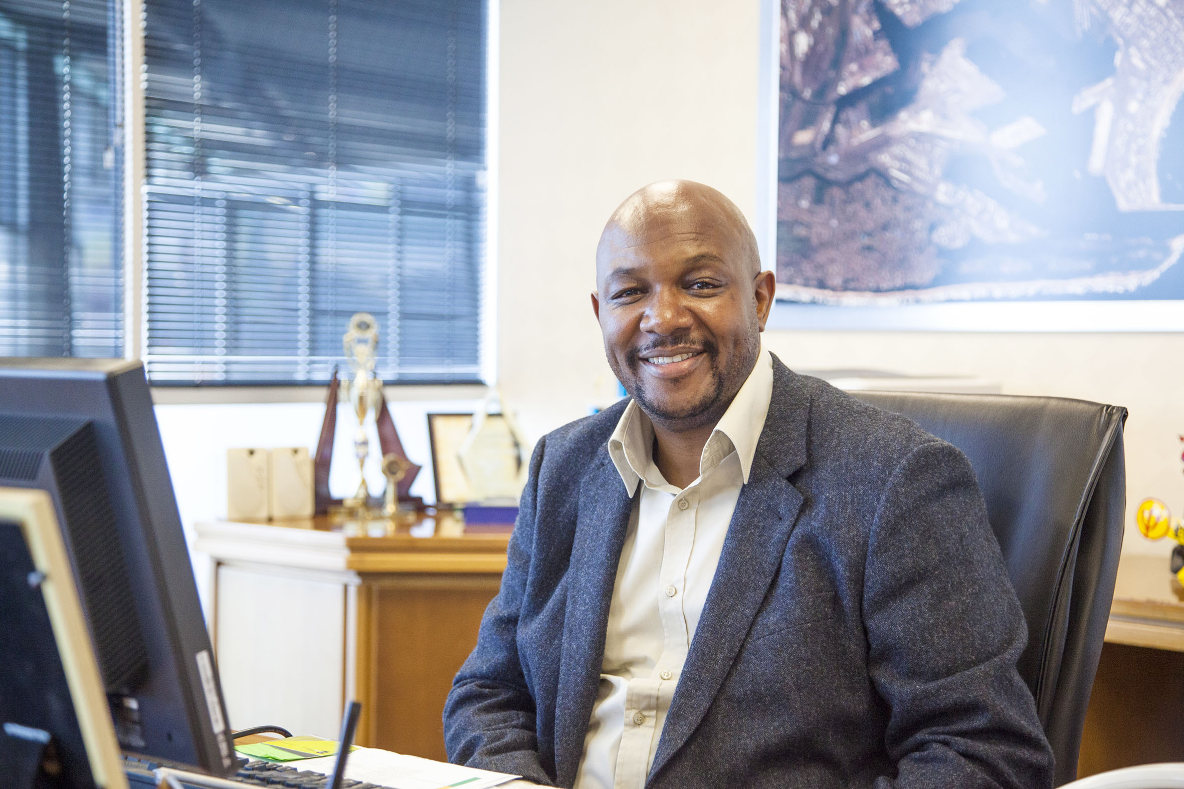 Port of Durban general manager, Moshe Motlohi, featured in Africa PORTS & SHIPS maritime news