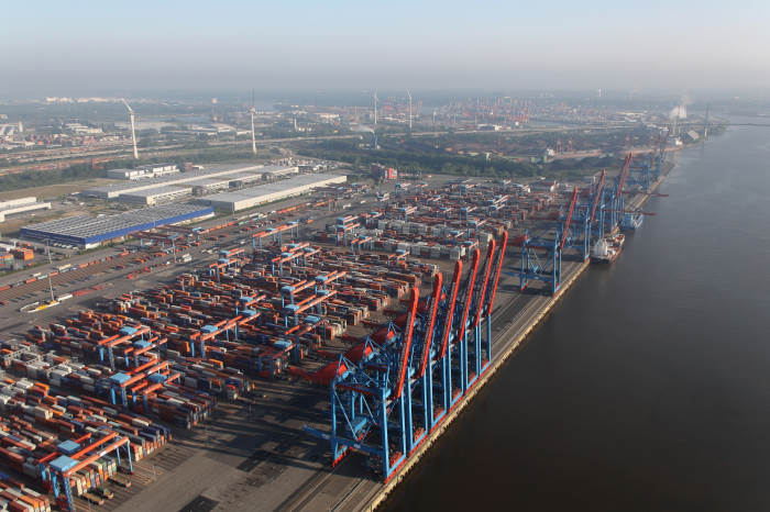 Hamburg port scene. Picture: Everpedia, featured in Africa PORTS & SHIPS maritime news