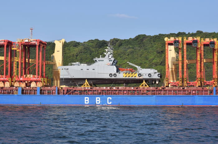BBC Plata and her cargo of straddle carriers and two Damen-built patrol boats. Picture by Trevor Jones, featured in Africa PORTS & SHIPS maritime news