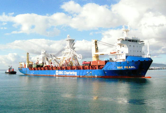 BBC Pearl arrives in Cape Town from Tallinn in Estonia with a cargo of heavy equipment for Debmar's still-under-construction diamond mining vessel, Benguela Gem. Picture is by 'Dockrat'featured in Africa PORTS & SHIPS maritime news