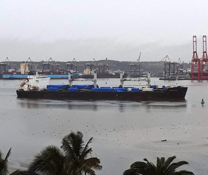 The CLIPPER BRUNELLO (IMO: 9500106), a 58,433-dwt bulk carrier built in 2012 and flying the flag of the Marshall islands, arrived in Durban on 30 April with an interesting cargo of railway locomotives and other bulk cargoes, which were discharged at Maydon Wharf. The 196-metre long, 3w2m wide bulker sailed from Durban this week and after a three day voyage has arrived at the St Helena Bay Anchorage. This picture is by Terry Flynn, featured in Africa PORTS & SHIPS maritime news