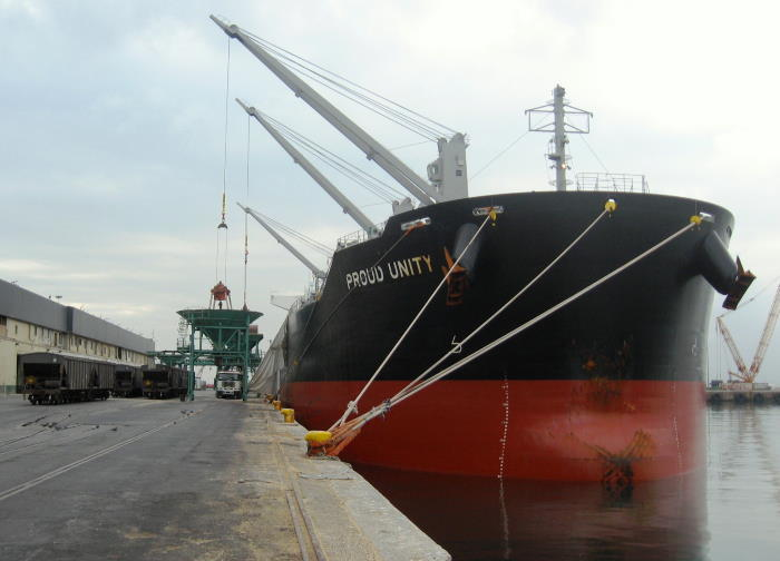 Proud Unity's bows, the 'sharp end'of any vessel, though seldom too sharp when it comes to bulk carriers. Picture is by 'Dockrat', as featured in Africa PORTS & SHIPS maritime news