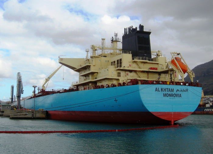 The tanker Al Khtam against her tanker berth in the Port of Cape Town. Picture by 'Dockrat'