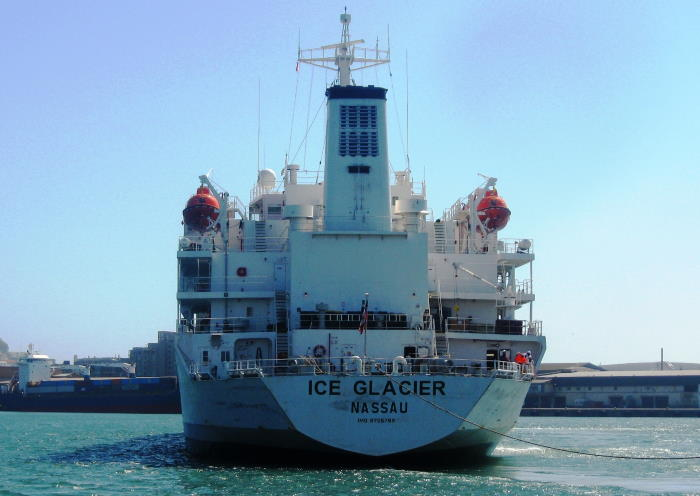 We always admire a stern view of a ship. Ice Glacier is no exception. Picture by 'Dockrat'